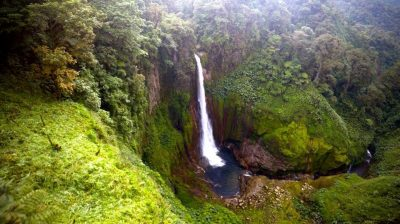 Costa-Rica-Waterfall