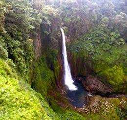 hikesandwaterfall